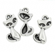 10 x Antique Silver Cat Charm Pendants